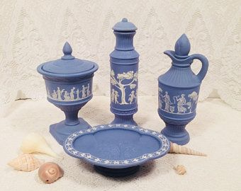 Avon Blue Avonshire Faux Wedgewood Greek Bathroom Set Candle