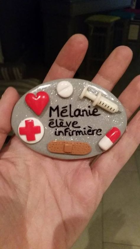 badge infirmier personnalisable coeur en fimo