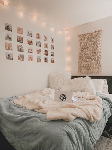 Love the greys, pinks and whites. The lantern lights and the photo wall are such a cozy vibe. Cute Bedroom Ideas, Cute Room Decor, Girl Bedroom Designs, Room Ideas Bedroom, Teen Room Decor, Bedroom Inspo, Diy Bedroom, Bedroom Ideas For Small Rooms For Teens For Girls, Cozy Teen Bedroom