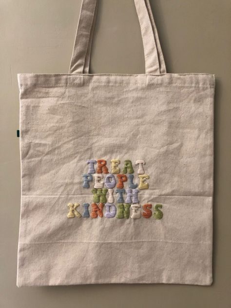 Sacs Tote Bags, Canvas Tote Bags, Embroidery Bags, Embroidery Patterns, Sac Tods, Embroidered Clothes, Cute Bags, Diy Clothes, Purses