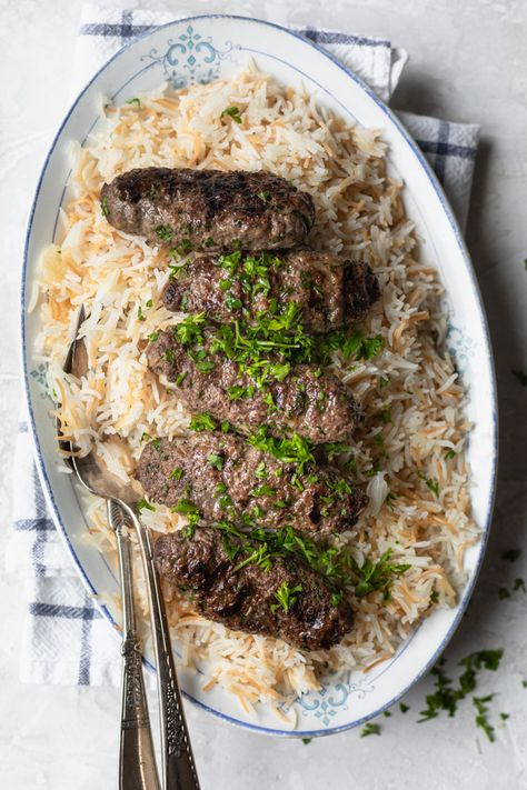This is a Lebanese style beef kafta recipe that's made with ground beef, parsley, onions and a blend of Middle Eastern spices - an easy yummy grilled recipe Cheeseburger Pie, Ground Beef Recipes, Steak Recipes, Recipes With Ground Lamb, Authentic Chinese Pepper Steak Recipe, Easy Country Fried Steak, Ramadan Recipes, Ramadan Food, Recipes