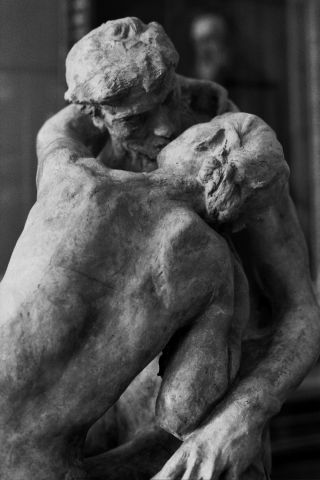 Photographer Jamie Beck visits the Rodin Museum in Paris, France as captured on black and white film. Black And White Picture Wall, Paris Black And White, Black And White Aesthetic, Black And White Pictures, Musée Rodin, Auguste Rodin, Rodin Museum Paris, Rodin Drawing, The Kiss