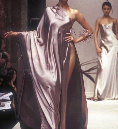 "peach-ygal: ""Jean Louis Scherrer Haute Couture, Autumn Winter "" Source by SkyRozu fashion couture"