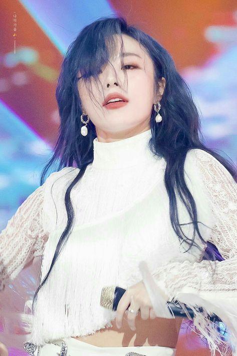 Pin By Singularity On Mamamoo Wheein Mamamoo Mamamoo Kpop Girls
