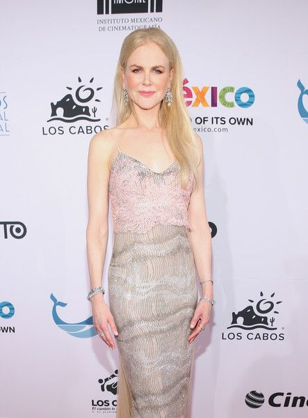 Nicole Kidman is honored at the 6th Los Cabos International Film Festival.