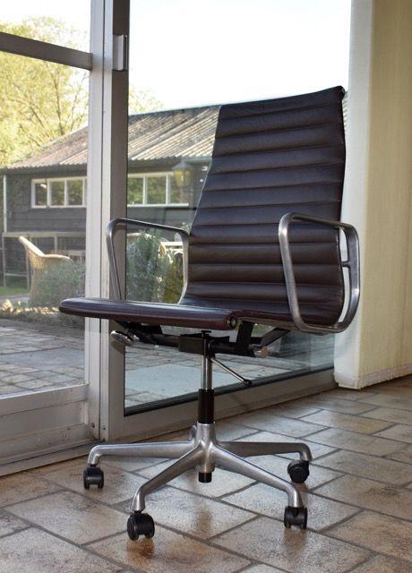 Eames Alu Bureaustoel.Charles Ray Eames Voor Herman Miller Aluminium Group