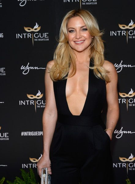 Actress Kate Hudson arrives at the grand opening of Intrigue Nightclub at Wynn Las Vegas on April 29, 2016 in Las Vegas, Nevada.