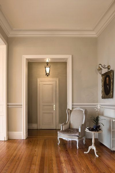 Ewering Malerbetrieb Raumdesign Stuckleisten Und Zierleisten Altbau Ewering Malerbetrieb Raumdesig Funky Home Decor Home Decor Gothic Home Decor