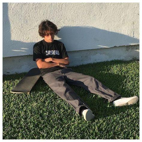Skater Boy Style, Hot Skater Boys, Look Skater, Surf Style Men, Skate Style, Skater Outfits, Boy Outfits, Skate Boy, Indie Boy