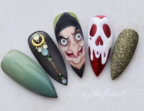 the old hag nails \\ 12 best Halloween nail art ideas