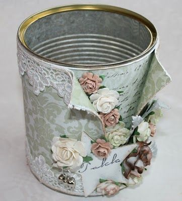 Discover thousands of images about ♥ ♥ Jannhild's papirhobby ♥ ♥: En eske og en blikkboks, DT - INKIDO og en award ♥ Decoupage Box, Decoupage Vintage, Vintage Crafts, Bijoux Wire Wrap, Home Crafts, Diy And Crafts, Tin Can Art, Pot A Crayon, Recycle Cans
