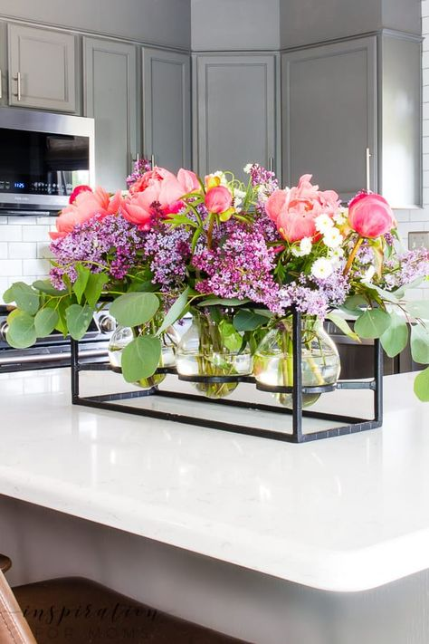 Add some sweet fragrance to your home with this easy peony and lilac arrangement! Peony Arrangement, Table Arrangements, Floral Arrangements, Everyday Centerpiece, Jar Art, Farmhouse Style Kitchen, Affordable Home Decor, Garden Furniture, Lilac