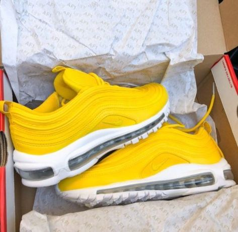 390c0e07bc Nike Air Max 97 Yellow | my stuf | Платья, Кроссовки, Идеи костюмов
