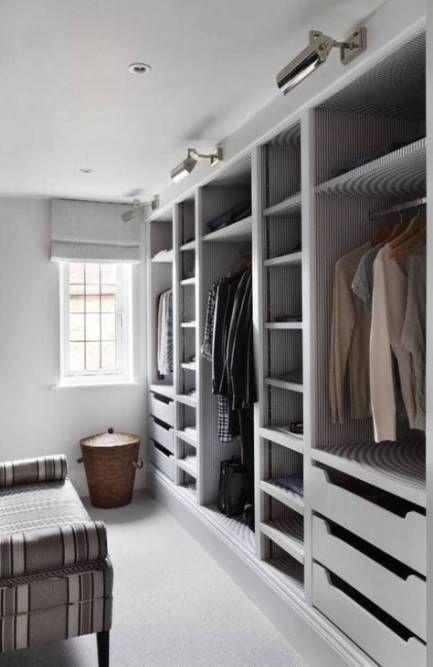 Small Walk In Closet Ideas Layout Clothes Dressing Rooms Ideas In 2020 Kleiderschrank Design Ankleide Zimmer Begehbarer Kleiderschrank Planen