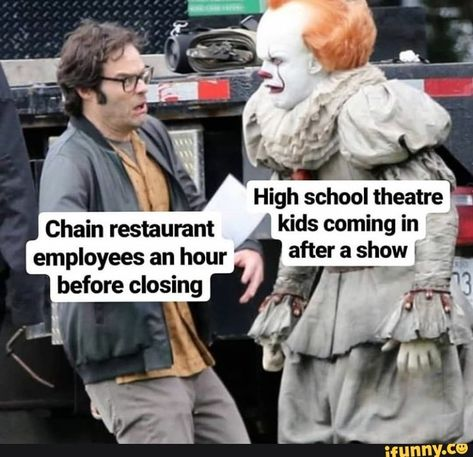 """High school theatre """" kids coming in - iFunny :) Theatre Jokes, Theatre Nerds, Music Theater, Theatre Problems, Stupid Funny Memes, Funny Relatable Memes, Haha Funny, Crazy Funny, Kid Memes"""
