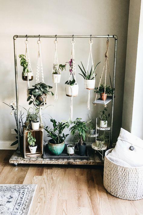 Hanging Herb Garden. Rolling Herb Garden. Home Design And Decor Ideas And Inspiration. #homedecor #retrohomedecor