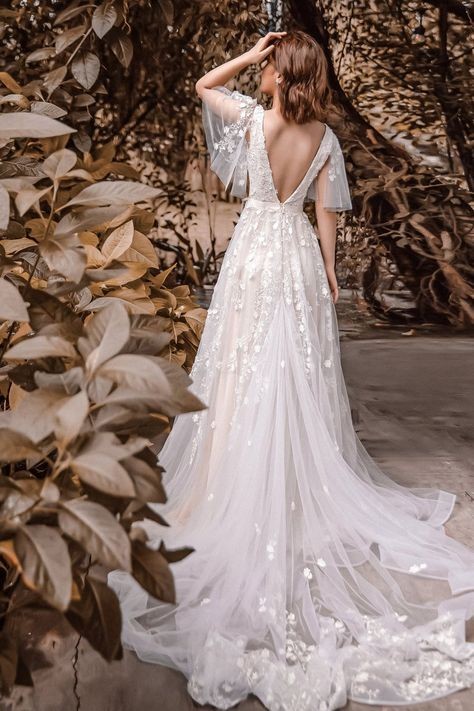 Sophia from Enchanted collection 2020 is a highlight with flutter sleeves design featuring a romantic bridal style, especially with creamy ivory lining color. Boho Wedding Dress With Sleeves, Blush Pink Wedding Dress, Open Back Wedding Dress, Dream Wedding Dresses, Bridal Dresses, Dresses With Sleeves, Vintage Wedding Dresses, Wedding Dress Types, Fairy Wedding Dress