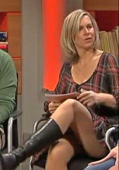 In deutsche nylons frauen Fernsehfrauen in