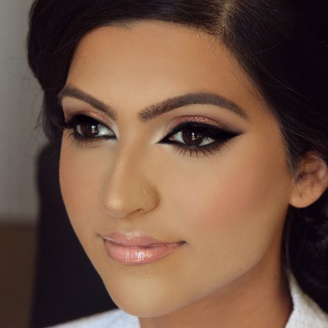 Indian Beauty: Double Winged Liner