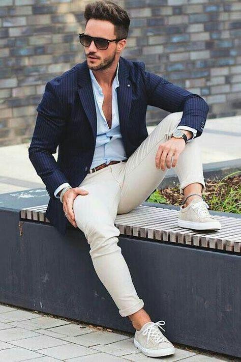 Look de moda: Blazer azul, Camisa de vestir blanca, Pantalón
