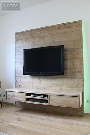 Zeer origineel wand\/tv meubel, uitgevoerd in oud-gemaakt - tv wand