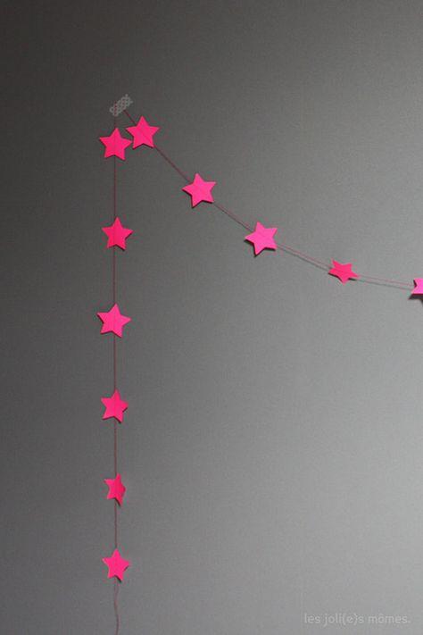 Pink star garland.