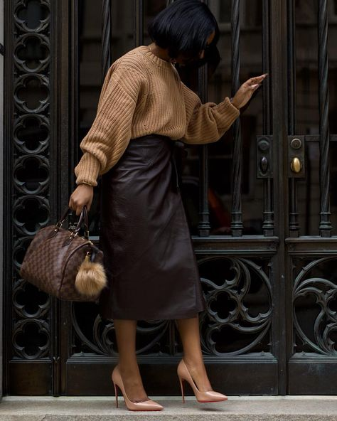 gray The post Wendy A.gray & Fashionista appeared first on Fall outfits . Classy Outfits, Chic Outfits, Fashion Outfits, Beautiful Outfits, Looks Chic, Looks Style, Trend Fashion, Look Fashion, Tokyo Fashion