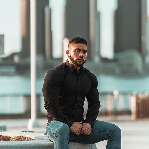 Be proud of your physique. Dont hide your hard work. #BeTapered Model @sollazzo91 57 170lbs wearing medium @elevnstudios #TaperedMenswear #MenswearForMuscle #fittedshirt #outfitoftheday #fitted #shirt #shirts #flex #bicep #vtaper #tapered #gym #fitmodel #fitnessaddict #getfit #mensfashionpost #fashiondiaries #fitnessmotivation #fitspiration #igers #bodybuilders #muscles #musclefit #ripped #swole #modernmen #musclemen #grind #beast