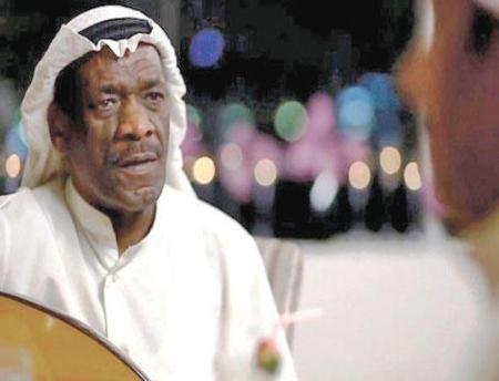 ماذا كان يقصد الفنان خالد الملا بأغنية بعض القضاة مخه تنك غبي حطوه مستشار Post