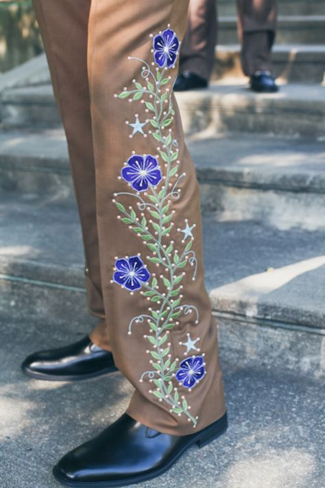 Let's check out this groom's kick-ass embroidered suit | Offbeat Bride