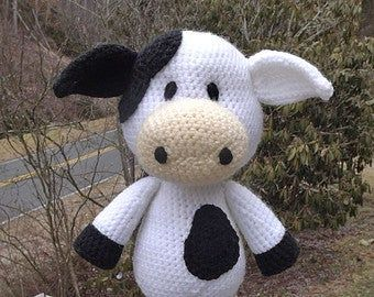 Knit a Herbie The Basset Hound, Get the Free Pattern! | KnitHacker | 270x340
