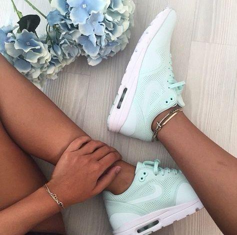 Sneakers mint, parfaites pour l'été