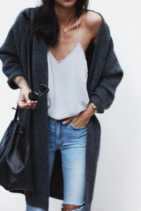 street style - skinny jeans, white top, grey long cardigan