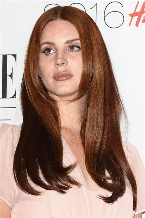 Lana Del Reys Hairstyles And Hair Colors Steal Her Style Lana Del Rey Hair Hair Styles Hair