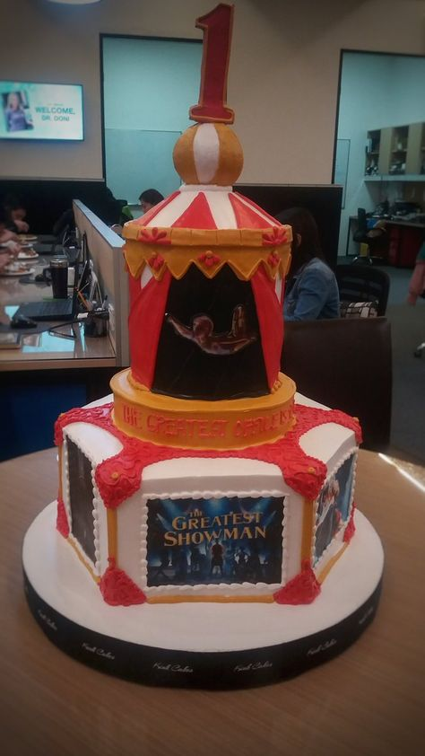 Party Bags Personalised Greatest Showman White Cake