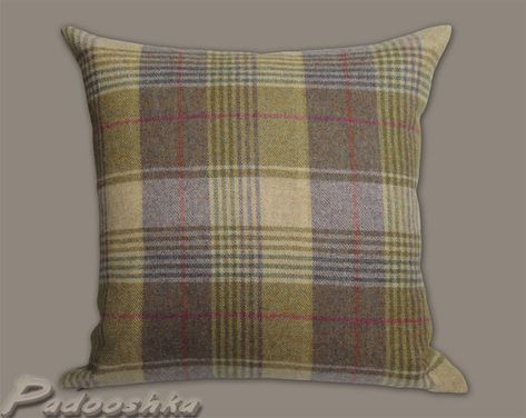 Huntingtower Grape Tweed Wool Cushion
