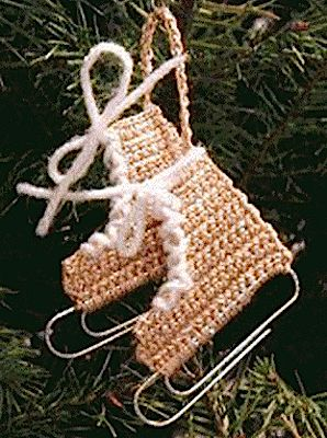 Christmas Crochet: Miniature Ice Skate Ornament I like old fashioned things, and (in the traditional red) these are so I found lots of patterns for them, but something about each pattern I found was not to my liking. It didnt. Knit Christmas Ornaments, Crochet Christmas Decorations, Christmas Crochet Patterns, Crochet Ornaments, Holiday Crochet, Christmas Knitting, Crochet Gifts, Free Crochet, Knit Crochet