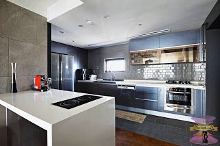 أحدث أفكار ديكورات مطبخ صغير المساحة 2021 In 2020 House In The Woods Home Decor Home