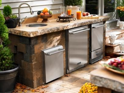 Outdoor Kitchen Sink With Built In Refrigerator In 2020 With Images Outdoor Kitchen Small Outdoor Kitchens Outdoor Kitchen Sink