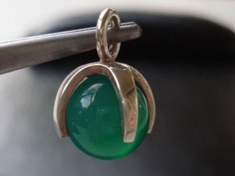 Signed Kupittaan Kulta Silver Kinetic Green Chrysoprase Orb Modernist PENDANT #KupittaanKulta