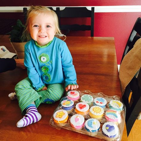 Care Bear Cup Cakes