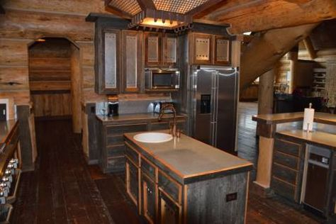 What an amazing kitchen space!  Elk Ridge Ranch - Montana Ranches For Sale | Fay Ranches http://fayranches.com/ranches-for-sale/montana/elk-ridge-ranch