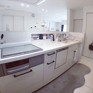 キッチン 白いキッチン トリムの水 水素水 Ihコンロ などの
