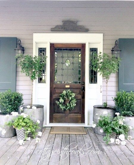 21 Of The Prettiest Farmhouse Style Porches To Inspire You Rustic Porch Front Porch Decorating Farmhouse Front Porches