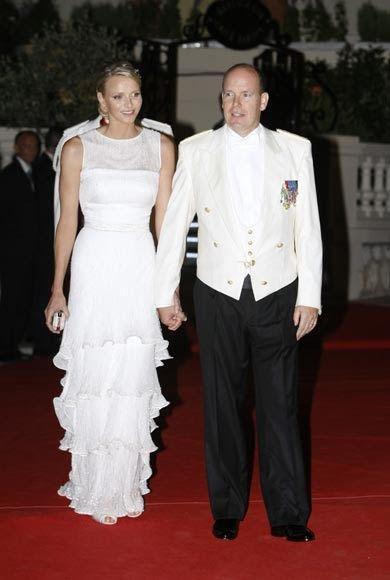 Royal Fashion Minute Prince Albert And Charlene Monaco Wedding The Wedding Dinner Red Carpet Mode Streetwear Charlene Von Monaco