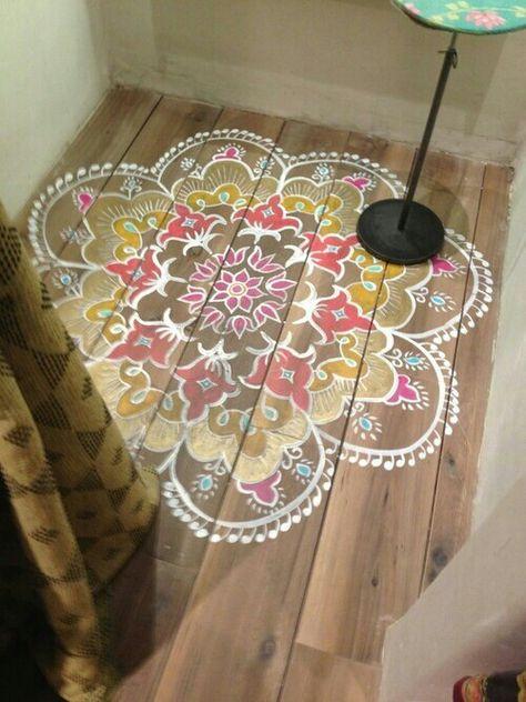 "painted ""rug"" on wood floors....so pretty!"