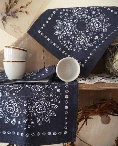 Deckchen in Blaudruck    von früheroderspäter auf DaWanda.com