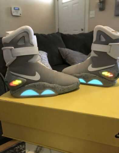 80s 90s Image By Paula S In 2020 Nike Mag Nike Air Mag Nike
