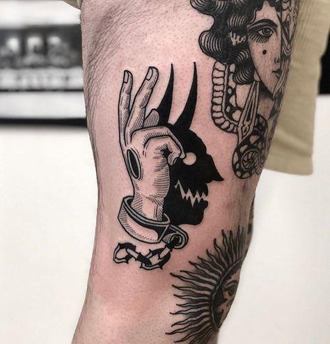 Tattoo Back Big Tatoo Dope Tattoos, Hand Tattoos, Creepy Tattoos, Skull Tattoos, Unique Tattoos, Black Tattoos, Body Art Tattoos, Tattoos For Guys, Sleeve Tattoos