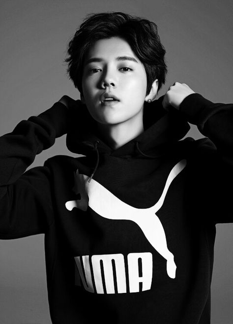 I love everything about this picture. Luhan's hair, Luhan's face, the Puma shirt, the b&w effect... It's just perfect.